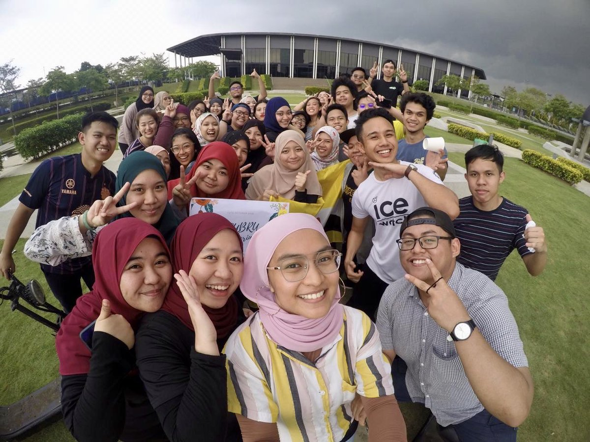 Welcoming our new international students from Brunei. Ice-breaking session through fun activities organized by MSU Bruneian Society  They are having great time here and going through valuable learning experience in MSU  #MSUMalaysia  #MSUfise  @MohdShukriYajid  #13102019<br>http://pic.twitter.com/0SEkNkRWpS
