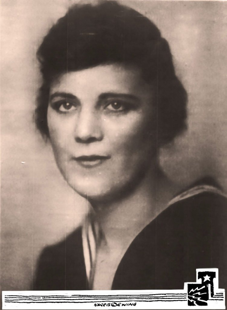 EM1 Myrtle Hazard is believed to be the #USCGs first female service member. At the time, she was the services only female electrician. READ: ow.ly/FKC050wISMZ #SundayReading