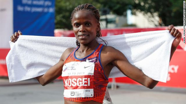 Kenyas Brigid Kosgei set a new womens marathon world record in Chicago with an unofficial time of 2 hours, 14 minutes and 4 seconds -- besting the record set in 2003 by Britains Paula Radcliffe  https://cnn.it/2pdVWme