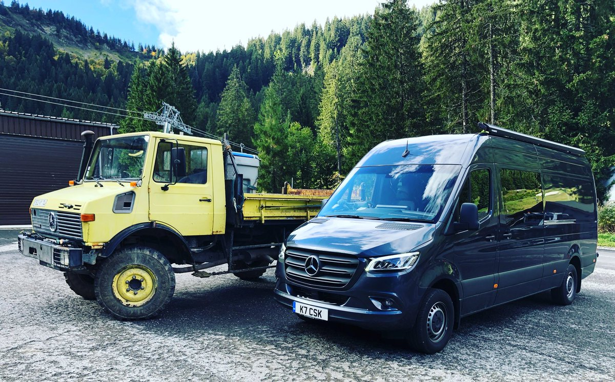 I tried my very best to initiate a #HolidayRomance between the old workhorse and the young mothership, so let's see what happens - Offspring would be the perfect Dakar Wagon. #RaceTruckGoals #WatchThisSpace #UniMog #UniSprinter #Dakar2020 <br>http://pic.twitter.com/TwcPTVRCe2