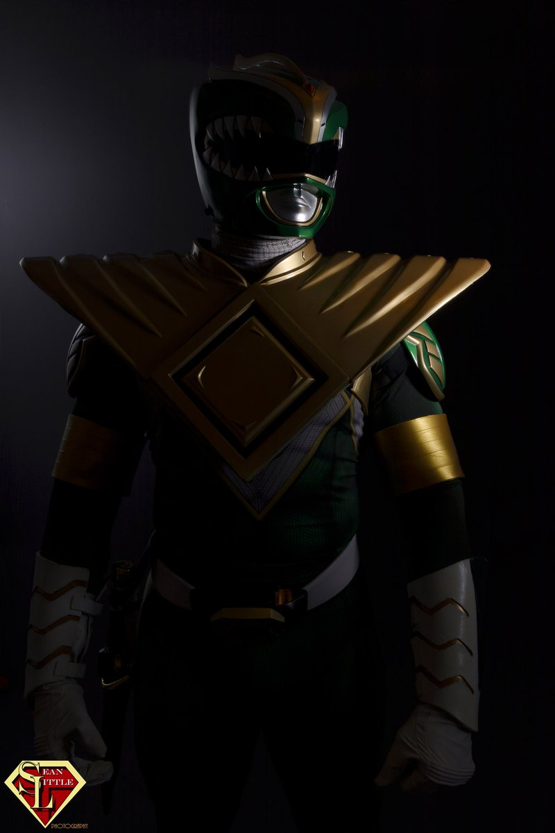 May the power protect you, always ⚡🐲 Photo by @SeanLPhotog  #greenranger #PowerRanger #cosplay https://t.co/Iy9xpEmsso