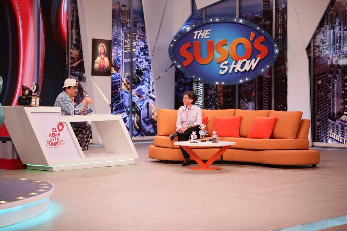 ¡Conéctense YA porque estamos en vivo desde @CaracolTV con @susoelpaspi ¡Les aseguro que van  a reírse! #ClaudiaEnSuso#MeDecidíPorClaudia