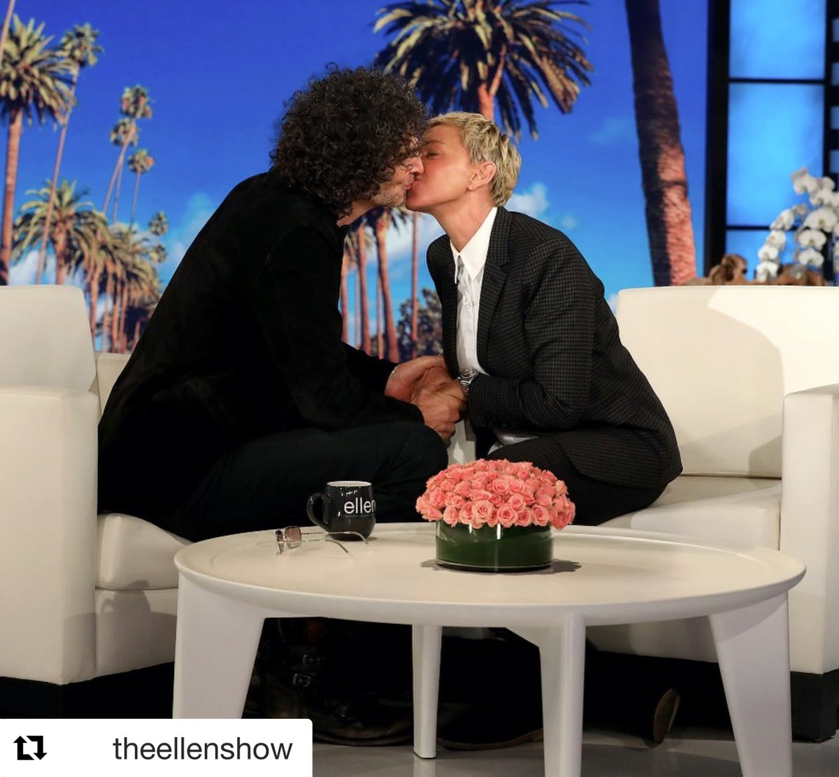 I'll be on @TheEllenShow on Monday. <br>http://pic.twitter.com/HI9TLEAimO