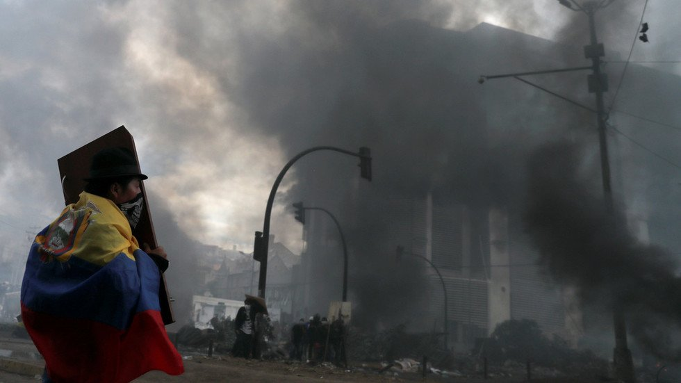 WATCH LIVE: Riots return to streets of Ecuador's capital despite previously imposed