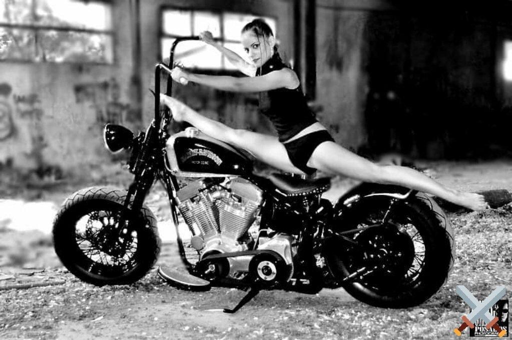@_JRWitt Nice Evening 🍸 #BikerGirl #HarleyDavidson🏍