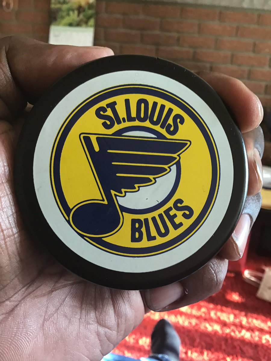 The latest random sports find from my mother's basement is this #STLBlues puck from General Tire...no idea when it's from, but it is in shockingly good condition.