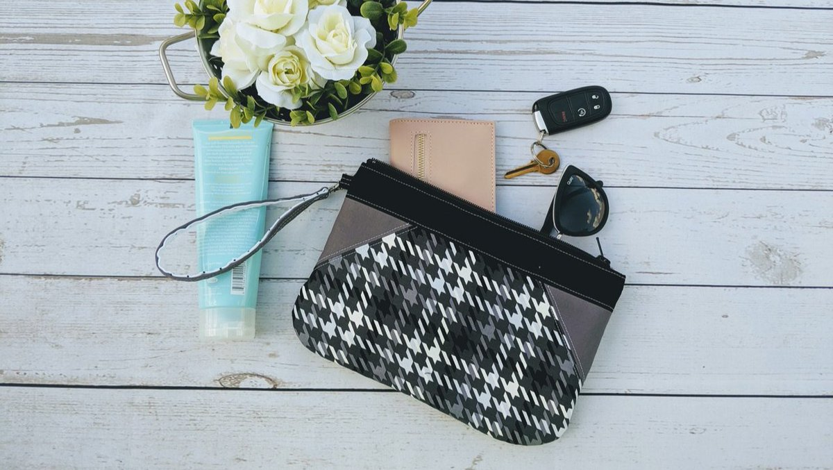 The perfect little bag to take all your essentials with you!  Get it now!https://etsy.me/2M8Je11 #makersgonnamake #handcrafted #etsy #shopsmall #smallbusiness #mompreneur #baglady #wristlet #clutch #makeupbag #organizeit #clutch #whatsinyourbag #zipperbag #zippybag #zipitup