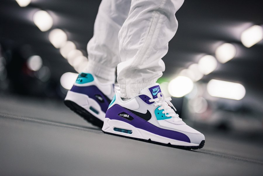 Ad: Nike Air Max 90 Essential Hyper Jade on sale for $89.99 + FREE shipping, discount applied in cart => bit.ly/2pfGBBw