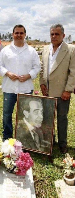 El #9Oct  mi amado padre NEMER SAAB hubiese cumplido 93 años ... fue 1 hombre bueno q llegó d Líbano a finales de los años 40' a fundar un comercio ( llamado  Almacén RÍO y luego Mueblería RÍO ) en el histórico CASCO VIEJO de El Tigre, trabajando allí de manera honrada y ejemplar