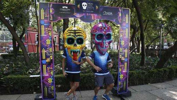 Cráneos gigantes 'invaden' Paseo de la Reforma por Día de Muertos https://mile.io/2IHQFtZ