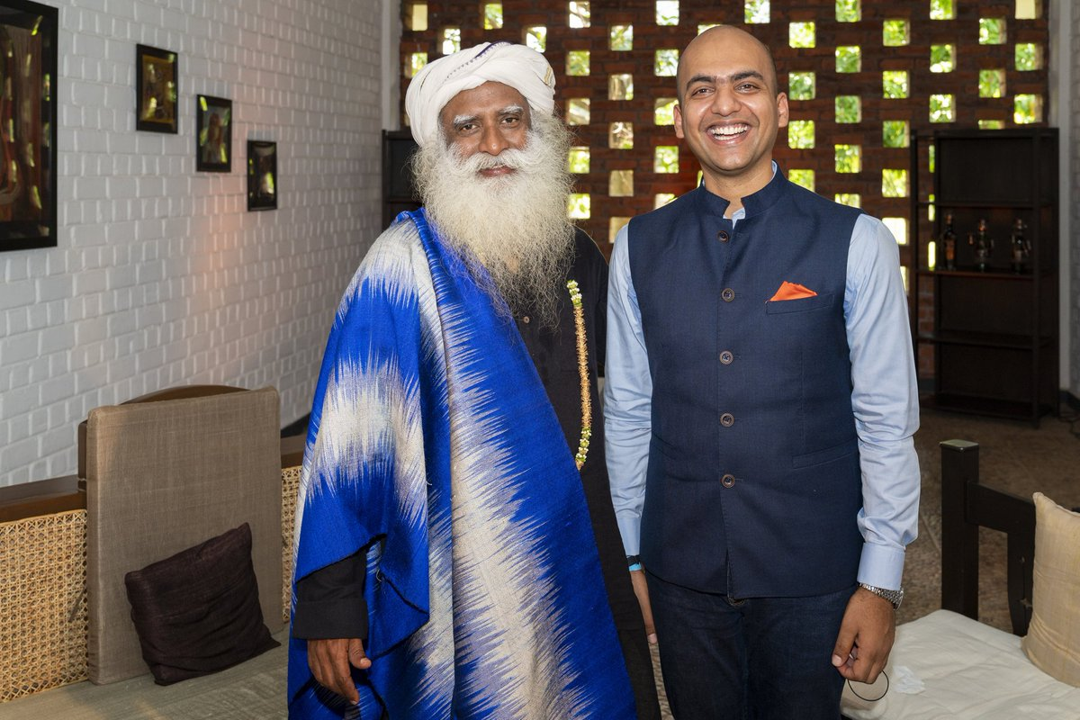 """Spent afternoon with Spiritual #Guru #Sadhguru @SadhguruJV. 🙏  Took his blessing & his valuable advice abt #life, #spirituality, #yoga & #kids.  """"Life is just a certain amount of #time & #energy. Putting time & energy to max. use for everyone's wellbeing is all that matters."""" 😇"""