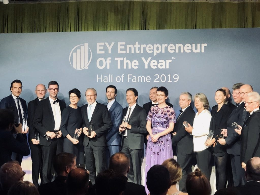 The EY Entrepreneur Of The Year last Friday spotlighted 38 outstanding finalists recognized for their innovative spirit! I am thrilled to be among all these established leaders.✨ @n26, @HG_Jobs, @FRANKAEMIKA, @diconium and more.  @EY_EOY @omniusHQ #WEOY #EOY2019 https://t.co/BPATA1LS1E