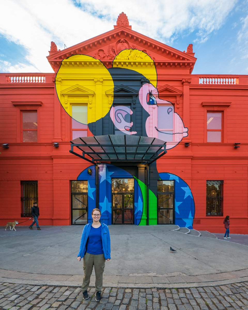 Look at this colorful building we found in Buenos Aires! We were visiting the local cemetery and stumbled upon this beauty.  #tripinargentina #travelargentina #buenosairesciudad #buenosairesphoto #buenosairescity #adventurecalls #experiencesnotthings #sightseeings #lovetravelpic.twitter.com/KjxW4zcvh4