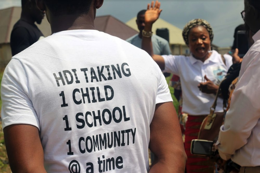 This organisation, Hope and Dreams Initiative is committed to using menstrual hygiene #education to build #girl-child confidence in rural communities in #Abuja, Nigeria.  Here is how Barr. Nguzo is leading this: https://mediaforcommunitychange.org/2019/10/25/globalhandwashingday-hope-dreams-initiative-educate-students-in-nigeria/…  #GlobalHandWashingDay #Media4Change pic.twitter.com/pJJD4fRSXa