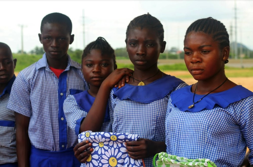 The confidence of many young girls is badly affected because of the mockery they face during #Menstruation.  Hope and Dreams Initiative are trying to redefine Menstrual Hygiene Education and confidence in the girl child.  Read here: https://mediaforcommunitychange.org/2019/10/25/changing-the-narrative-of-menstrual-hygiene-among-nigerian-students/…   #Media4Change pic.twitter.com/7SbAOEJG90