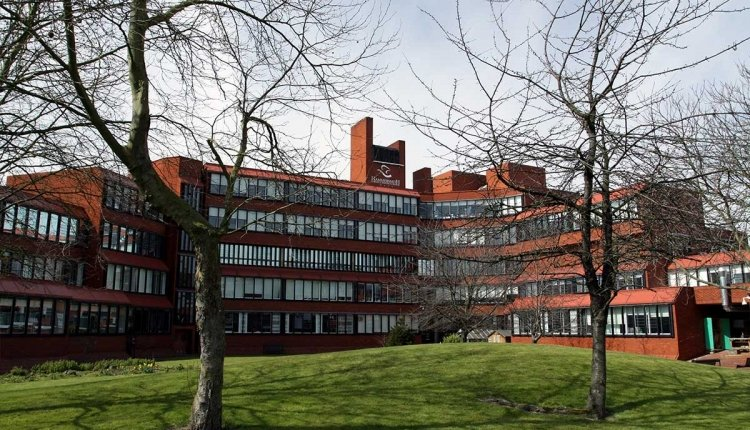 @RobertJenrick Hammersmith & Fulham College is a wonderful example of master planning inspired by Scandinavian models from #AlvarAalto & #ArneJacobsen. Designed by Bob Giles, GLC Lead Architect, the College has over 10000 #highereducation students! @Save_HFCollege #saveourcolleges