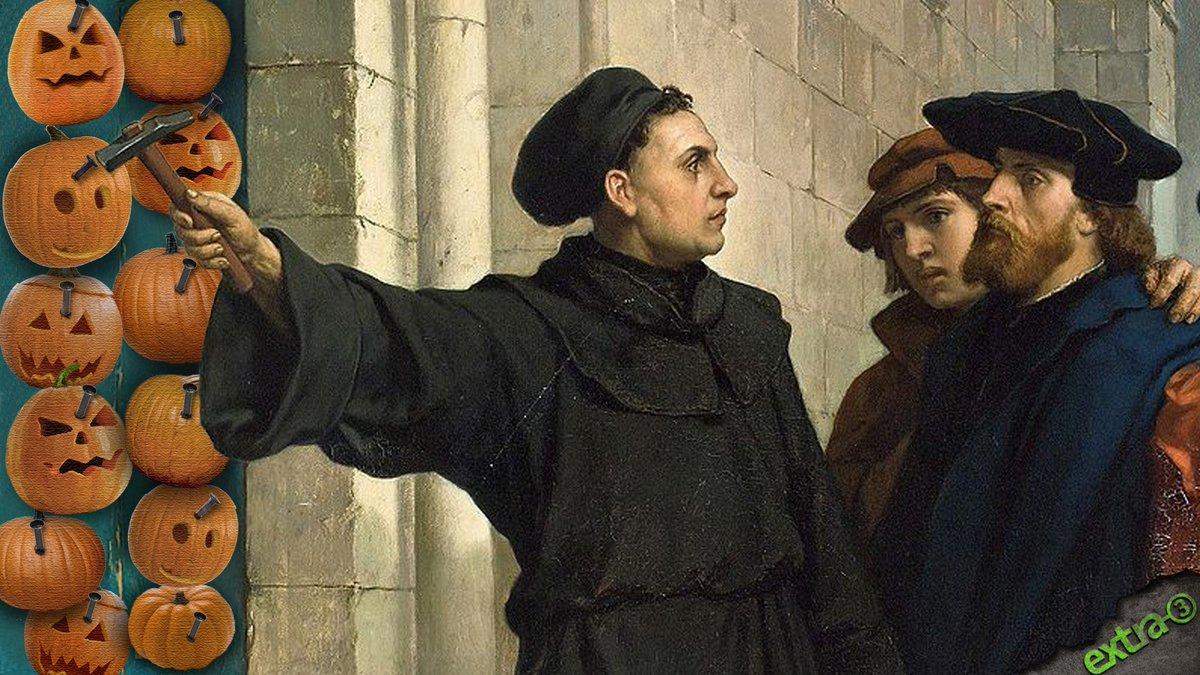 Was wirklich am #Reformationstag geschah: Weil der Bischof keine Süßigkeiten herausrücken wollte, nagelte Luther 95 Kürbisse an die Tür der Schloßkirche zu Wittenberg. #Halloween2019