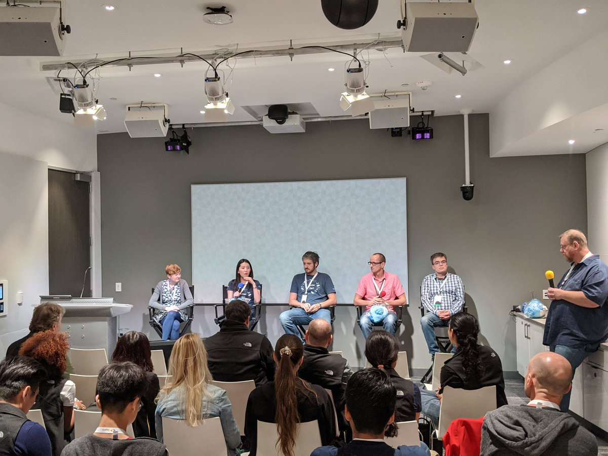 #GDESummit2019 Flutter Q&A. Team on stage to answer questions @bouncingsheep @ZoeyFan723 @filiphracek @yegorjbanov @_eseidel @csells and Dash! 😎☺️