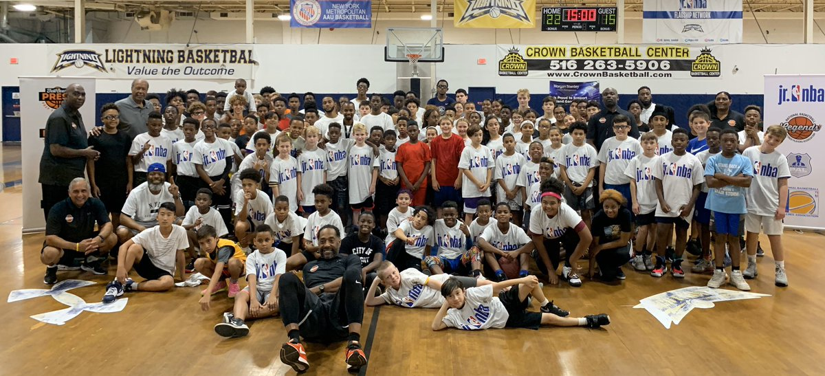 @nba Legends Tony Campbell, @tomhoovernba, @KymHampton, Sam Worthen and Charles Jones coached today's Full Court Press clinic held in New York for 120 youth boys & girls. #legendscare #fullcourtpress #legendsofbasketball