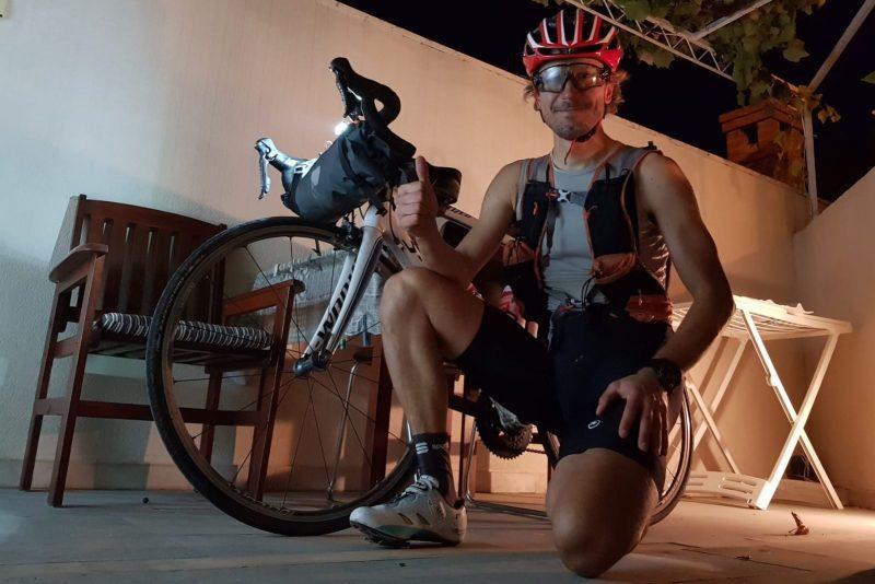 Luca Vignazia in bici lungo la JadranskaMagistra...