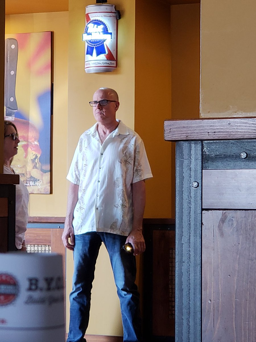 It'd be nice if I could get an PBR #thefakeSVP https://t.co/4o774CthmH