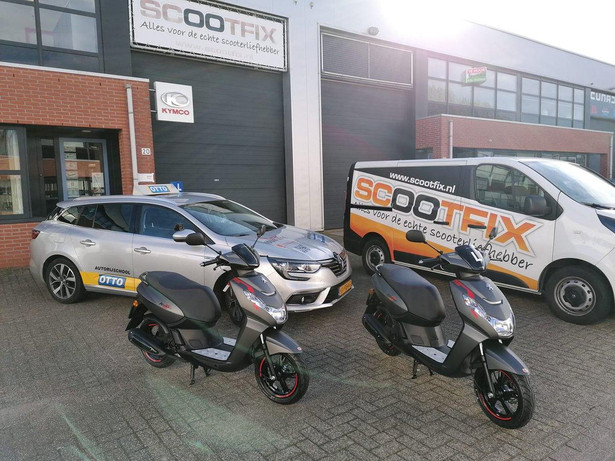 test Twitter Media - 2 prachtige nieuwe #Peugeot scooters in gebruik genomen voor onze #scooter #rijlessen #am2 De Peugeot #Kisbee is voorzien van een modern en milieuvriendelijk brandstofinjectie motorblok . Geschikt voor grote en kleine berijders. Makkelijk te handelen door de grote 12 inch wielen. https://t.co/bZE9ENhnzp