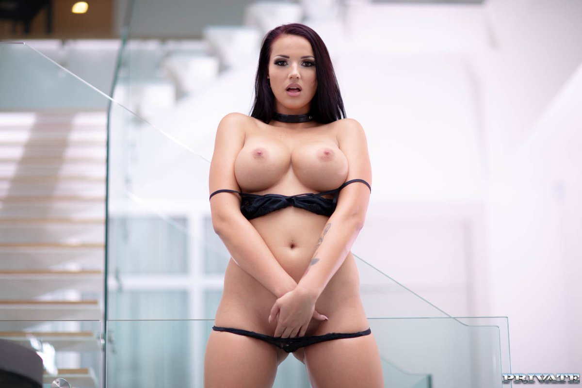 Angelina Jolie Nude Pics And Sex Scenes