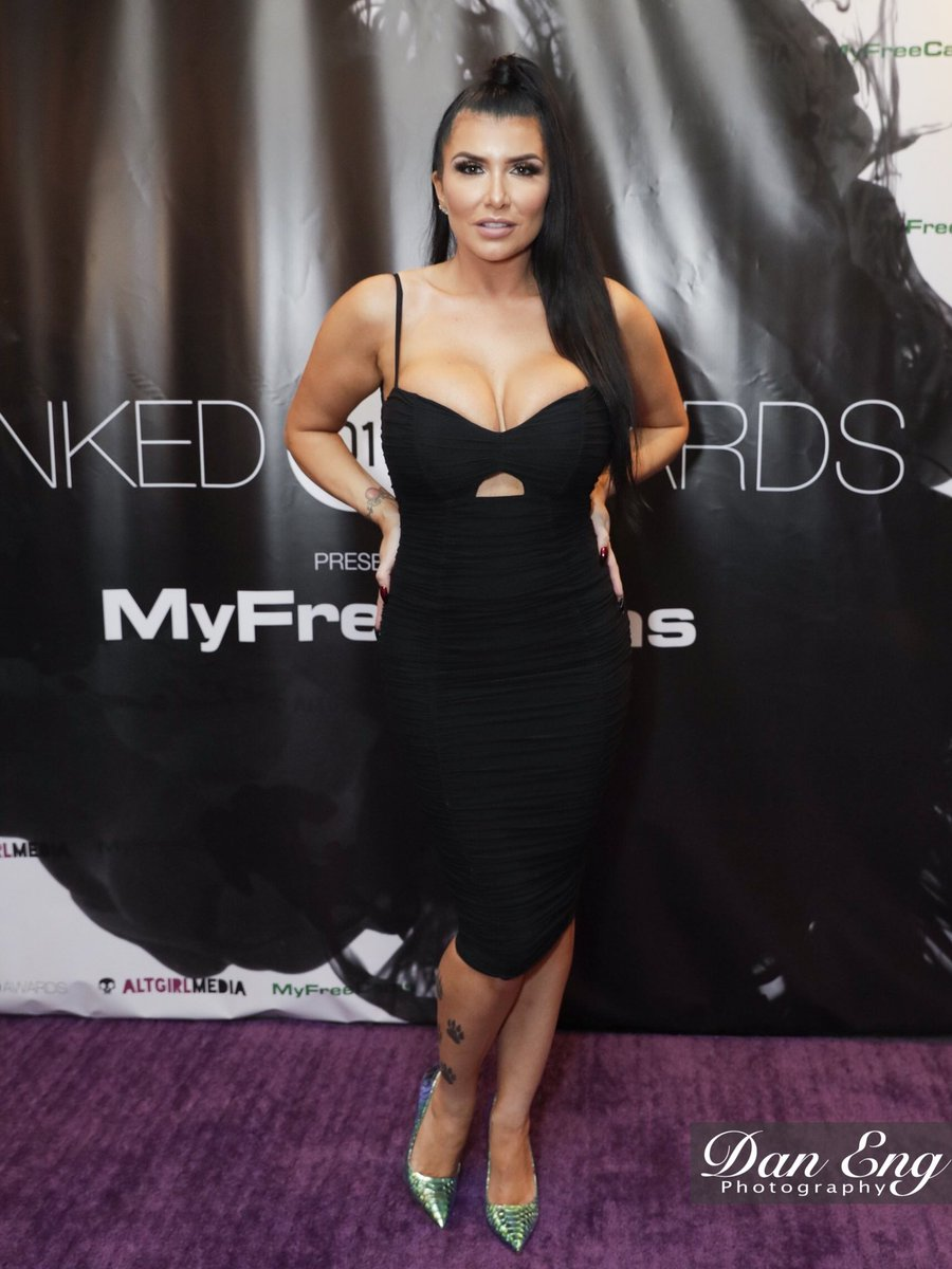 RT @DanEngPhotos: At the 2019 @InkedAngels @InkedAwards with @Romi_Rain https://t.co/Ugehyfq1rD