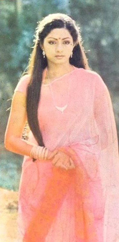 #RarePic of #Sridevi in the finale of #Sadma / #MoondramPirai  So pretty. But more than that, what a stellar performance.   @SrideviBKapoor