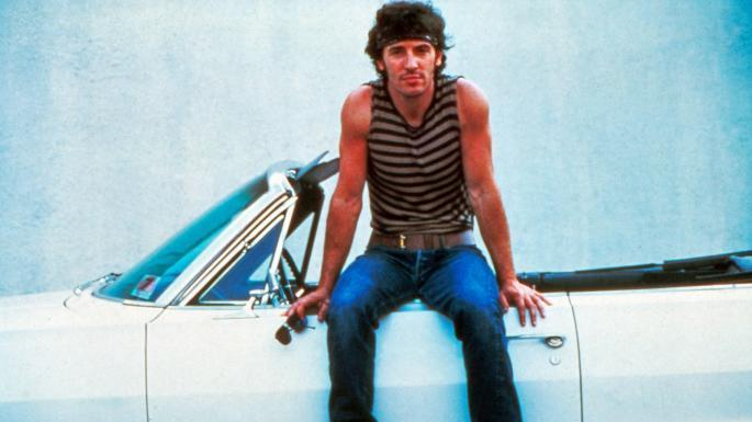 "Bruce ""The Boss"" @Springsteen opens up about his life in cars and his hair raising-first experience behind the wheel thetimes.co.uk/article/me-and… #BruceSpringsteen"