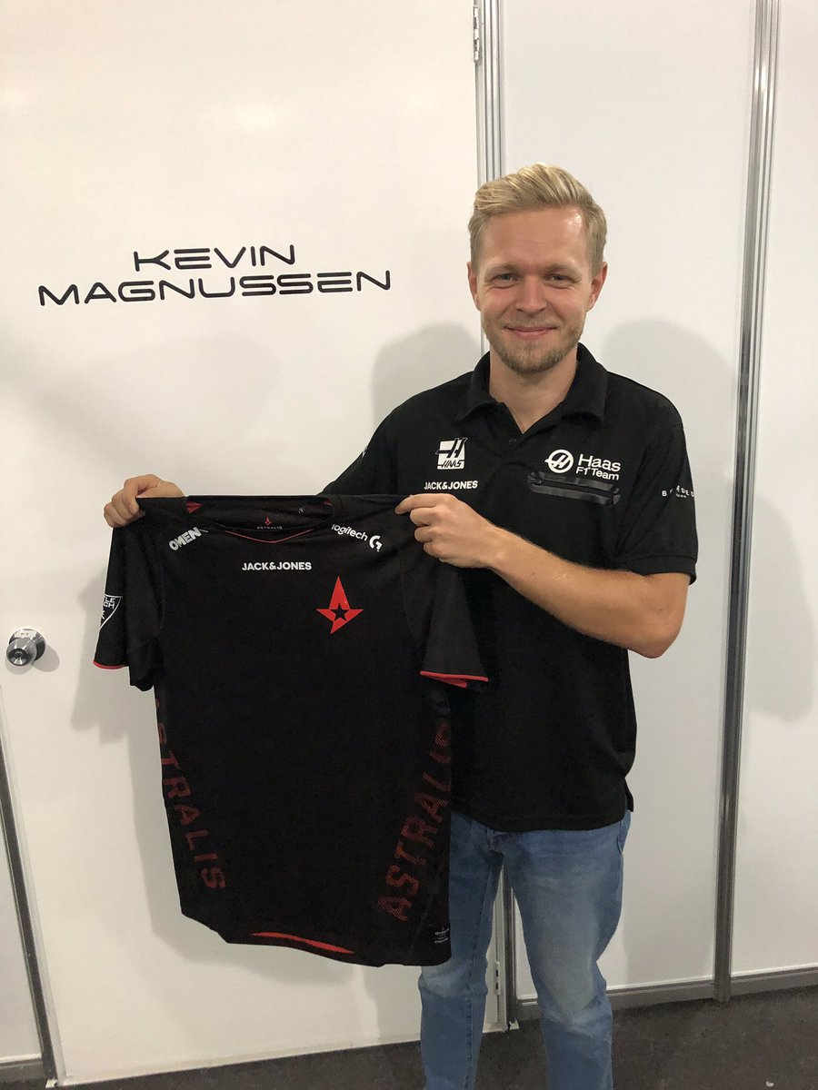 Kevin Magnussen @KevinMagnussen