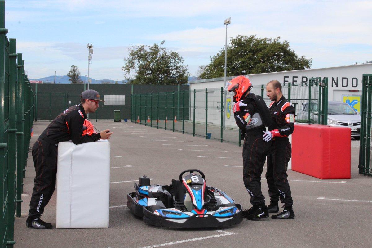 ¡Quedan 100 vueltas! El podio provisional sería: 🥇BCN Kart Team 🥈Agroteam Córdoba 🥉Craks racing Euskadi #mycfa500