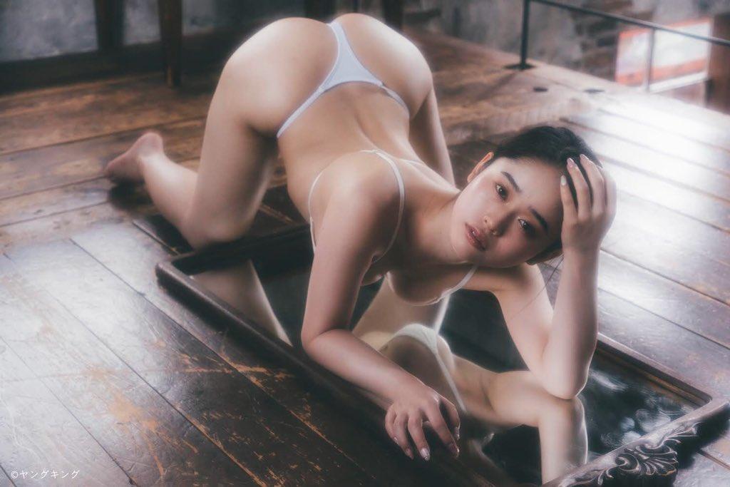 再掲載!【画像あり】新人グラドル太陽しずくちゃんがデカ尻が芸術的で素晴らしい!