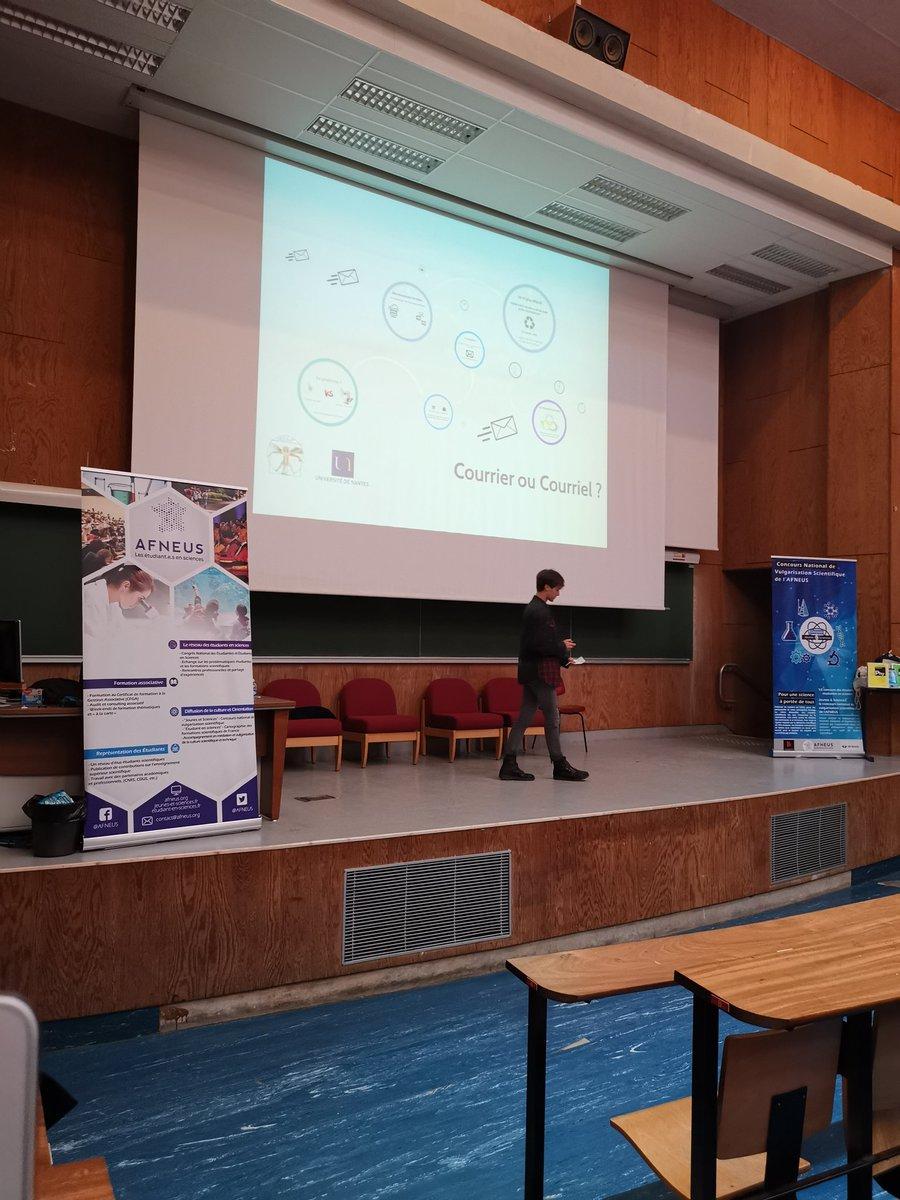 Dernier candidat, Valentin de Nantes, étudiant en L2 biologie-écologie nous présente son sujet sur les #mails