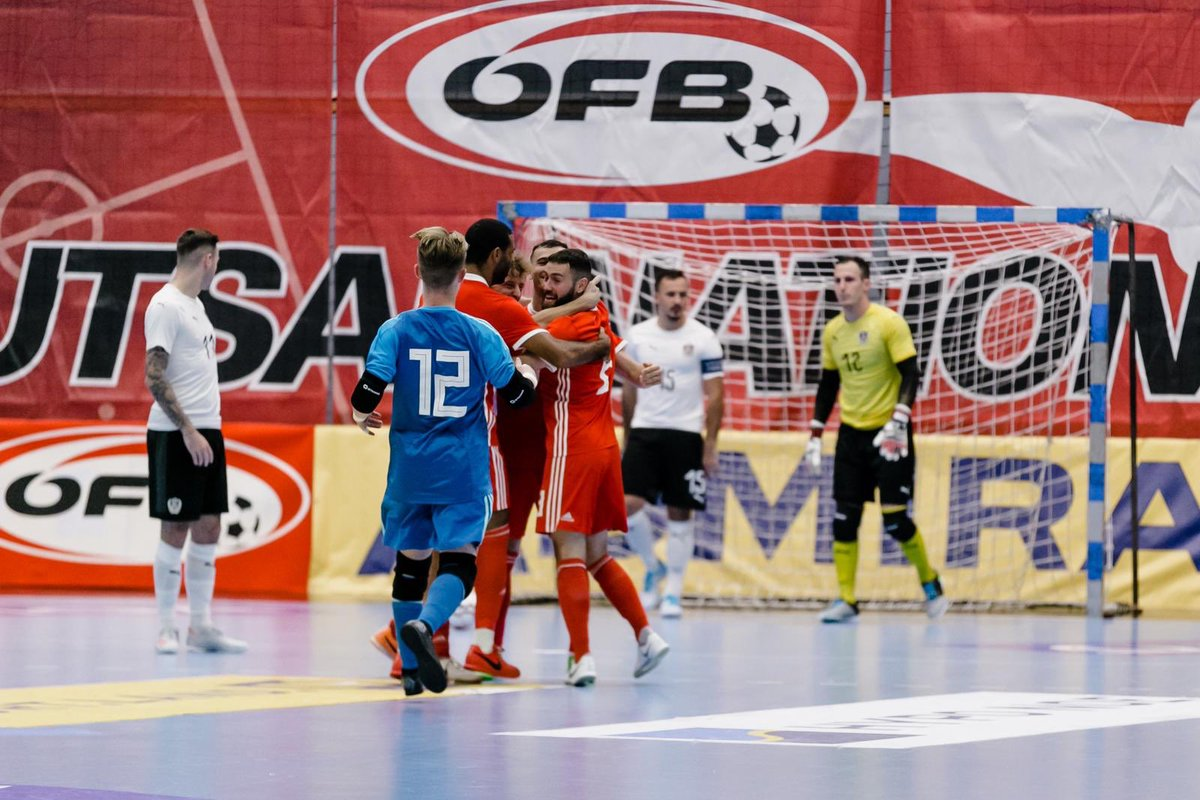 🇦🇹 2-2 🏴󠁧󠁢󠁷󠁬󠁳󠁿 | SGÔR TERFYNOL It's a stalemate in the Futsal International Friendly between Austria and Cymru. Goalscorers for Cymru were Rico Zulkarnain and Jordan Davies. #TogetherStronger