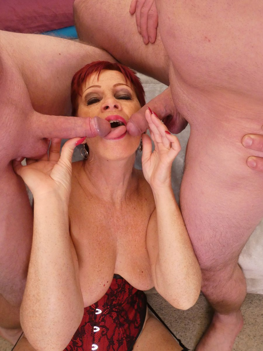 🔞 CUMMING SOON 🔞 Heres some more teaser pics guys with the amazing, horny @Sensualcaroline #Milf #Mature #greedyforcock 👿 Vid release cumming soon on my Many Vids 👿 The DBs favourite position #reversecowgirl #dirtybastards 😜😜