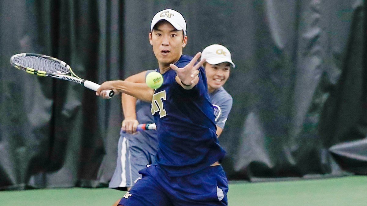 Yun and Freestone advance to the doubles semifinal with an 8-6 victory over Pavel/Sokolovskiy (UCF)!! #FightJackets 🐝👊
