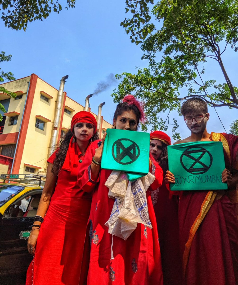 Happy Diwali Mumbai! The festival of lights has created a major pollution problem due to burning firecrackers Diwali causes as much damage to the ecology as regular pollution does over the span of a year. Lets Celebrate a green and clean Diwali. @redrebelbrigade @ExtinctionR