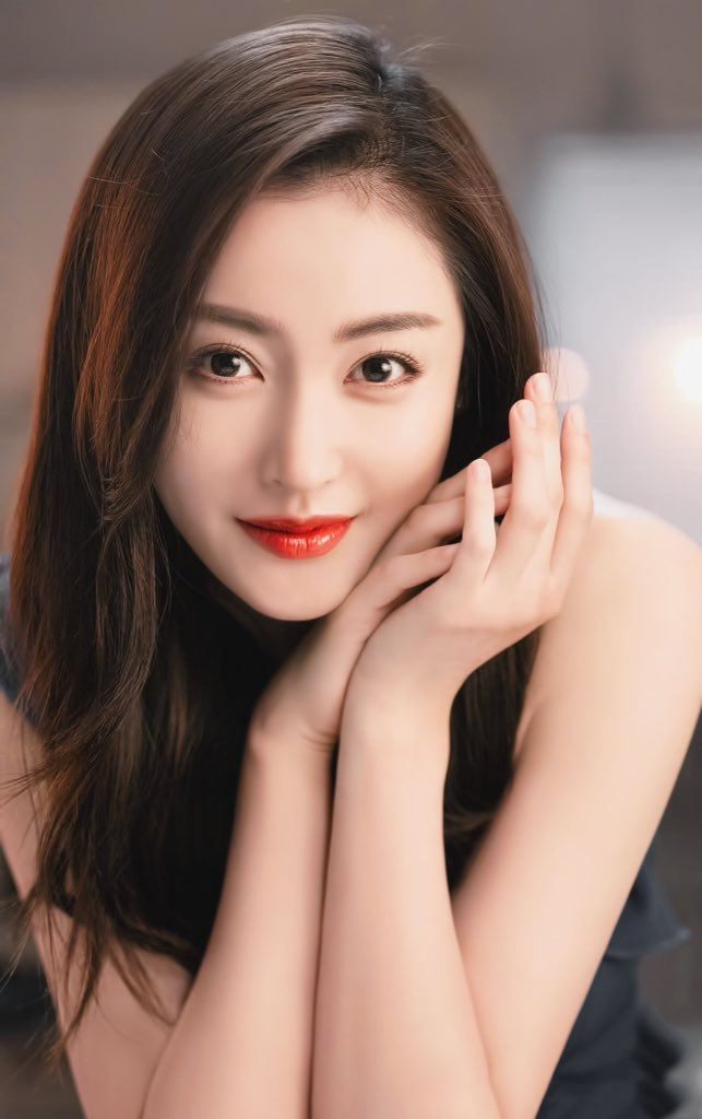 Happy 29th birthday to #ZhangTianai!  The actress is best known for her roles in #GoPrincessGo, #TheEvolutionOfOurLove and more. Catch her next in #CrocodileAvecCuredentsOiseau, #IfICanNeverLoveYou, #YoungAndBeautiful & a cameo in #HeldintheLonelyCastle!  #张天爱 #crystalzhangpic.twitter.com/yjkUsmwGee