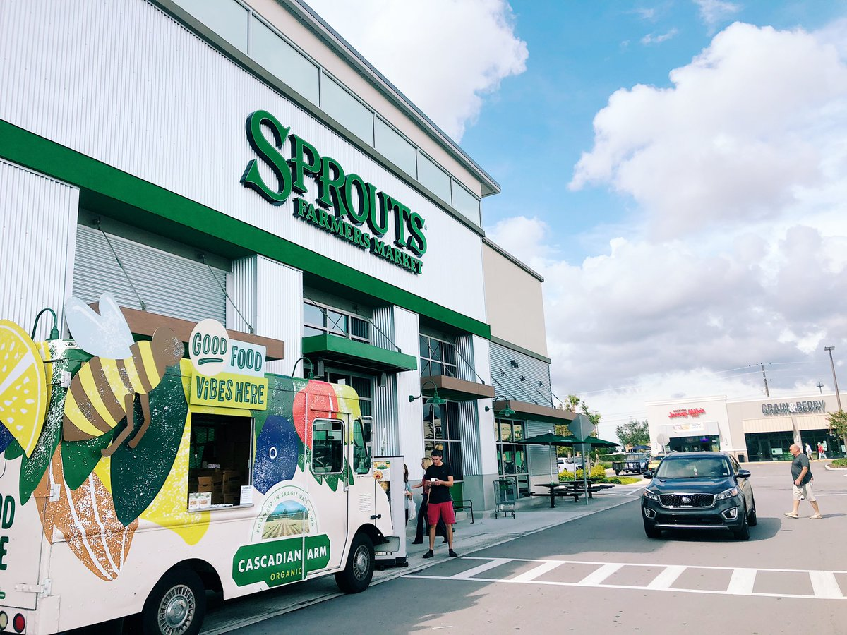 Sunday is for shopping & free samples! We had a great time @sproutsfm today & there are just few more opportunities to catch the truck in #Tampa! Schedule here: https://t.co/hmnHs3KsAz #GoodFoodVibesTampa #cascadianfarm https://t.co/59QC9B5gcQ
