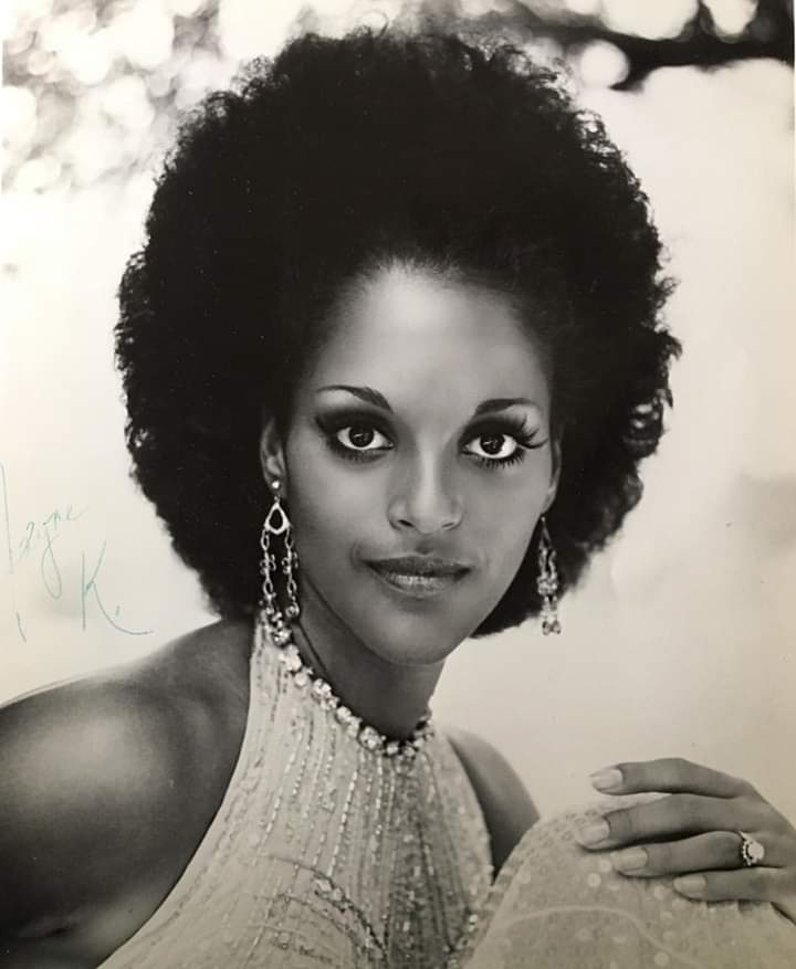 Happy birthday Jayne Kennedy. #jaynekennedy