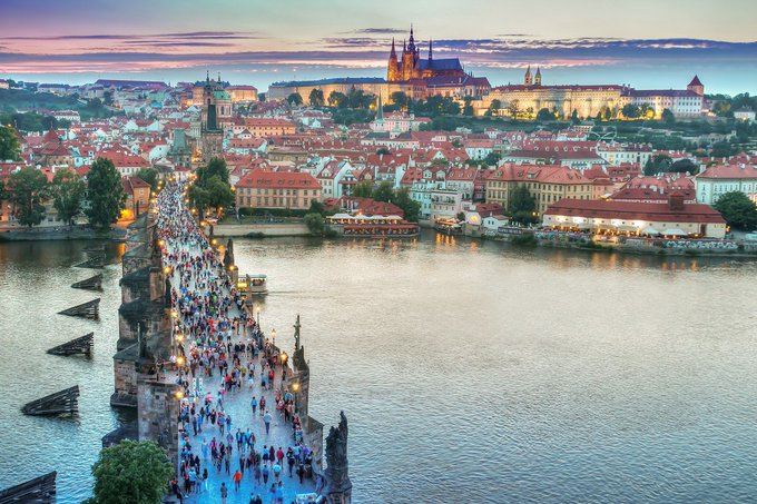 Twitter - Greetings from our beautiful hometown #Praha, the