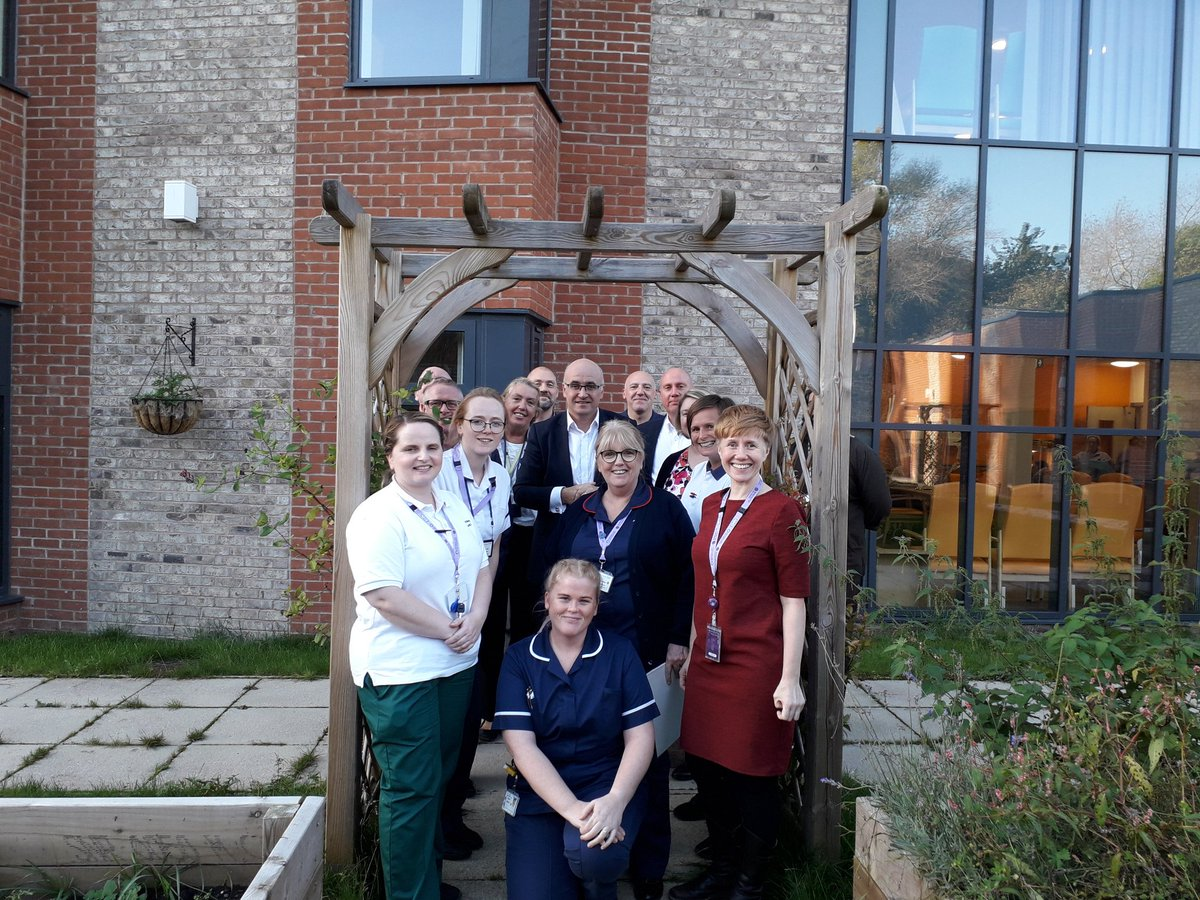 Thanks to @JonRouseGM and @GM_HSC colleagues for coming to visit @mcrlco teams @CrumpsallVale @NMcrCSNS @CheetCrumpINT @north_crisis @PalliativeMCR @MHomepathway #integratedcare @MichaelMcCourt1 @ https://t.co/WEKM33E1dz