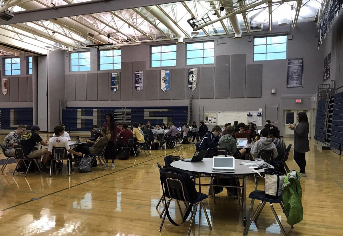 Awesome Senior Seminar sessions going on while the 10th/11th graders are taking the PSAT and 9th traders are conferencing! Our kids are so awesome! <a target='_blank' href='http://search.twitter.com/search?q=BeyondAPS'><a target='_blank' href='https://twitter.com/hashtag/BeyondAPS?src=hash'>#BeyondAPS</a></a> <a target='_blank' href='https://t.co/qV8VcgX03V'>https://t.co/qV8VcgX03V</a>