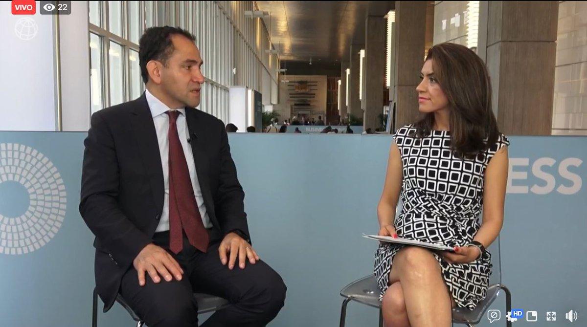 #EnVivo Estamos conversando con el Secretario de Hacienda y Crédito Público del Gobierno de México @ArturoHerrera_G sobre el impacto económico y social que tendría una mayor participación de las mujeres en el mercado laboral mexicano  https://www.facebook.com/bancomundial/videos/539686023448181/…