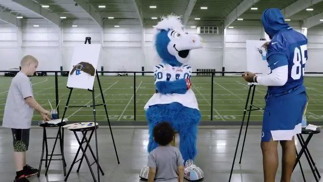 .@Ebron85 and his best friend @blue join @RileyChildrens kid Isaiah in the latest Colts Canvas. 🎨