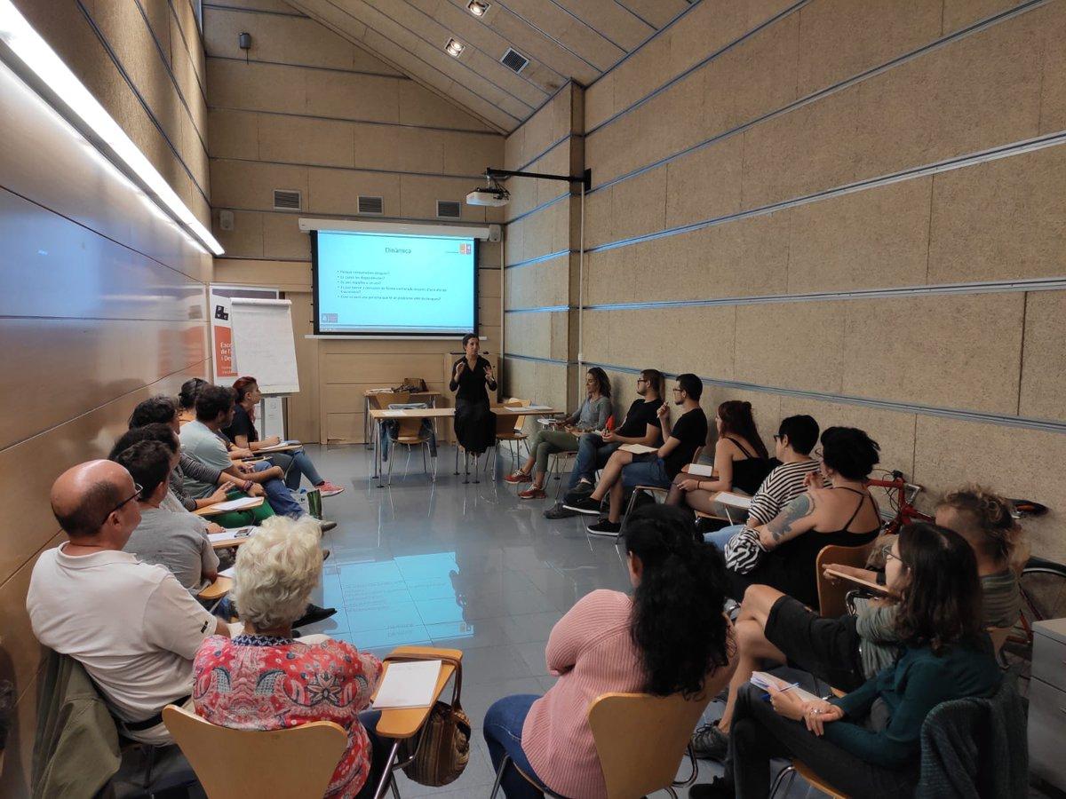 test Twitter Media - 💬 Avui té lloc la segona sessió de la formació de l'Escola de Voluntariat 'Introducció a les drogodependències'  Seguim👏  #EscolaVoluntariatABD https://t.co/XM9itTSo50