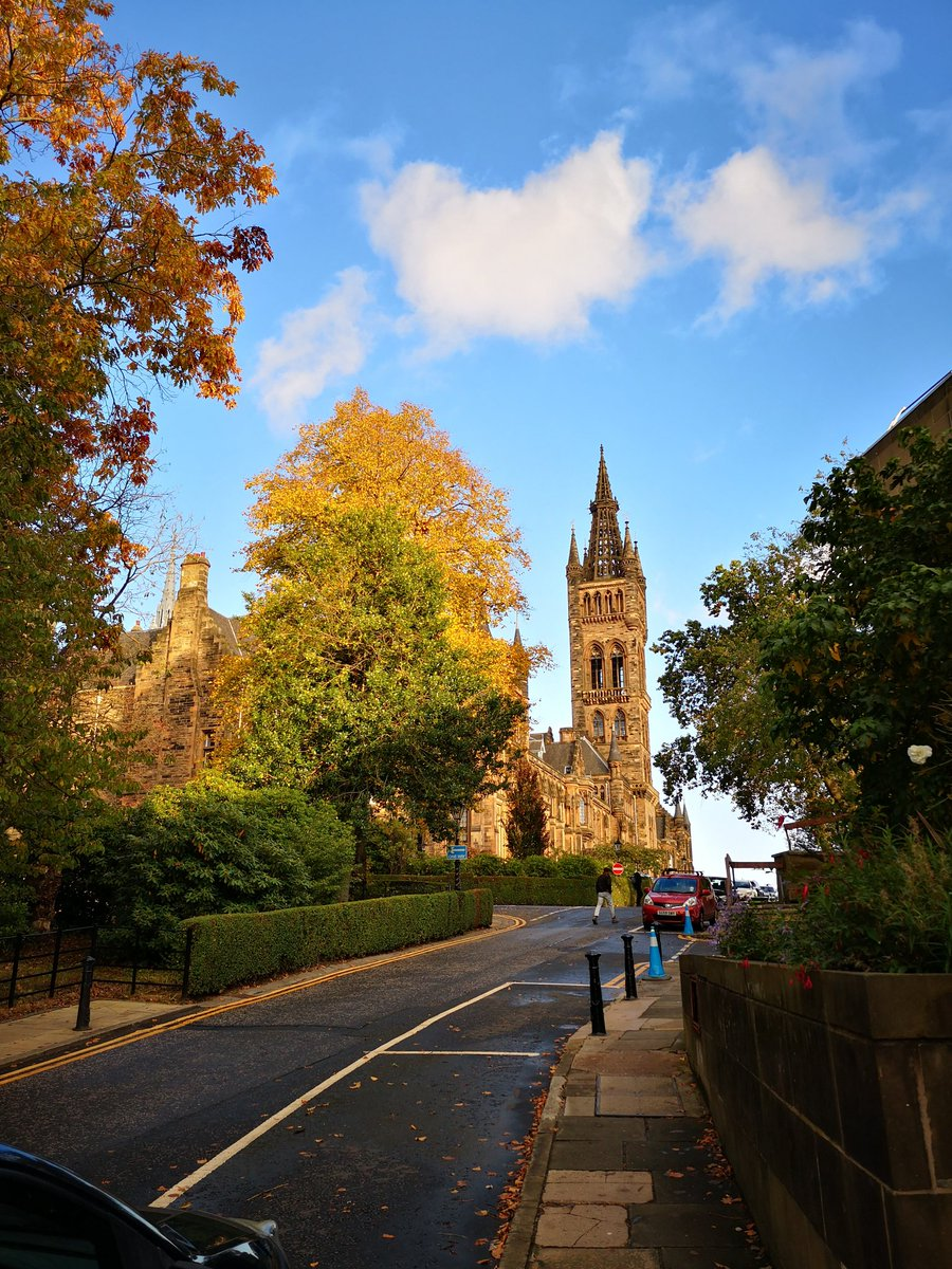You can't tell me that #Glasgow isn't beautiful! 🌲🍂🌞   #Autumn #TakeABreak @VisitScotland