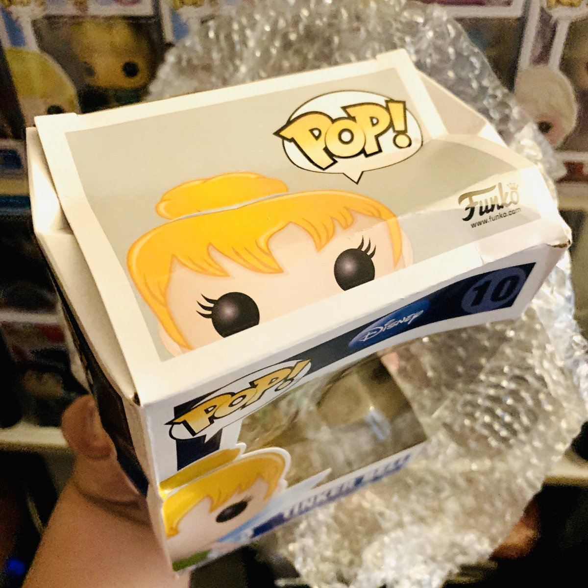 That's it. I'm going to have to stop buying #FunkoPOP from @Amazon if the boxes keep coming severely crushed like this. I even overpaid for this above market value. Anyone else keep experiencing this? #fail #funko #funkopops