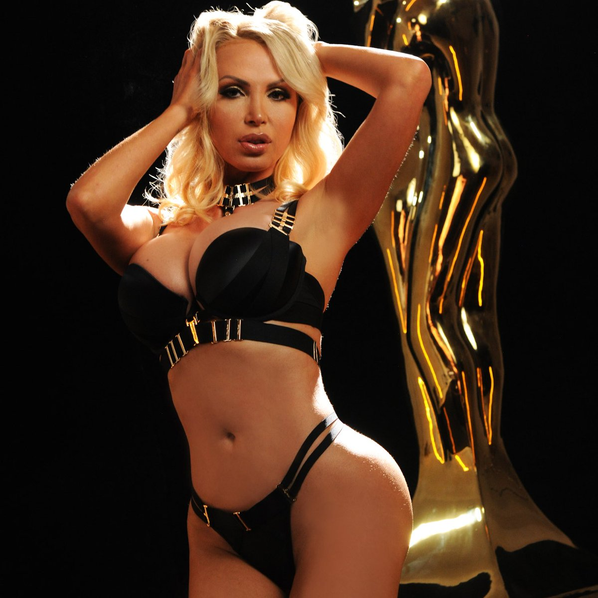 She has been coming to the AVN Awards since 2003. Now it is time for her to host! The one and only @nikkibenz. Be sure to get your tickets soon so you don't miss out!